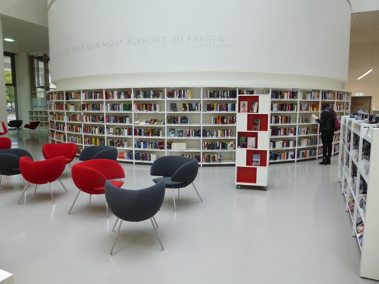Labyrinth displaytoren - Bibliotheek wielen ...